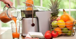 This juicer looks complex and not at all easy to use. What happened to hand-cranked machines?